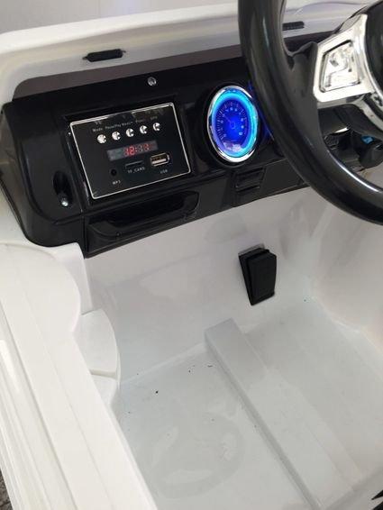 Электромобиль Мини Гелик М001МР белый (резиновые колеса, кожа, пульт, музыка)